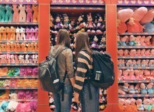 Jak nie wychować materialisty? Kilka porad dla rodziców