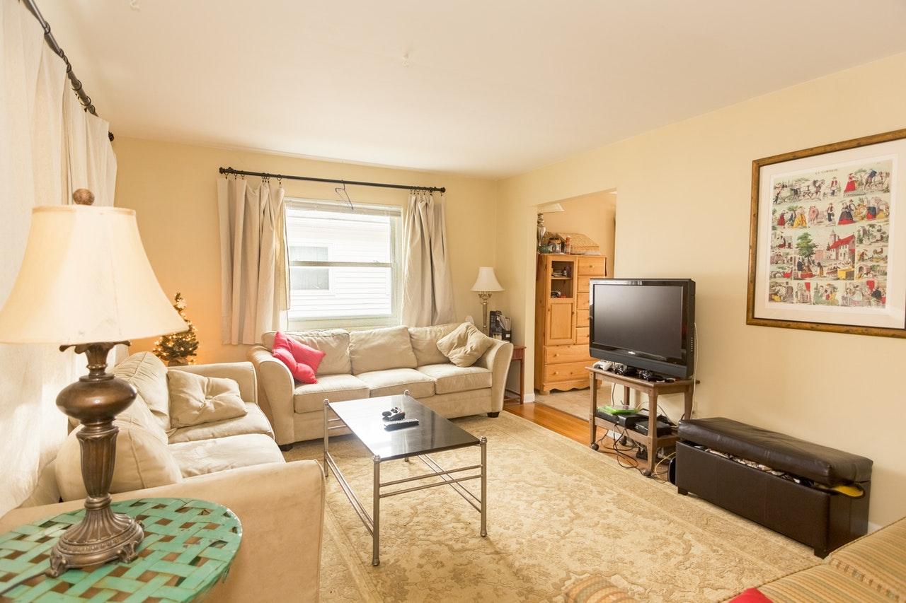 Opłaty za mieszkanie w rodzinnych rozmowach o domowym budżecie