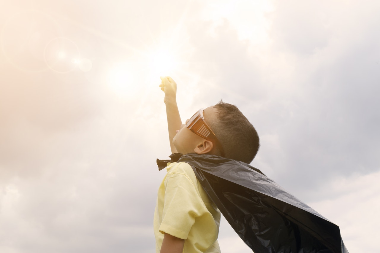 Jak wychować dzieci mądre finansowo? – podpowiada Dave Ramsey.